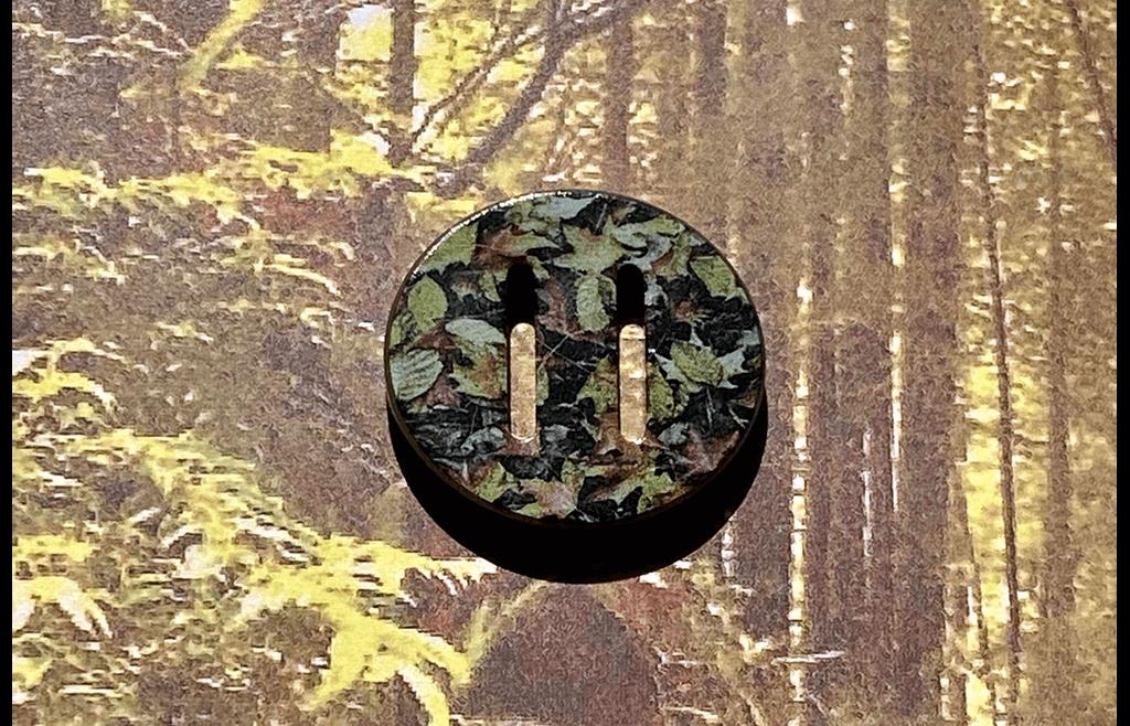 Leaf Camo-Printed Ribbonhole Button